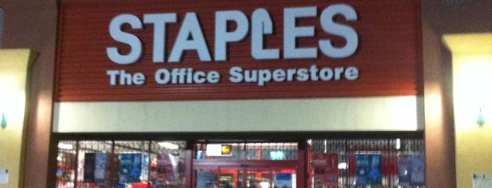 Staples is one of Locais curtidos por Justin.