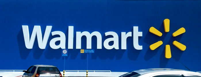 Walmart is one of Luccia Giovanaさんのお気に入りスポット.
