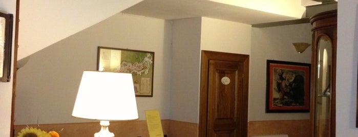 Meuble Evoe Bed & Breakfast Montepulciano is one of Posti salvati di Ufficio Turistico.