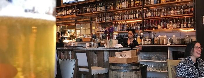 Parallel Wine Bistro is one of Lugares favoritos de Hillary.