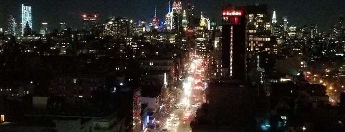 Rooftop 93 Bar & Lounge is one of Sarah Liz in New  York.