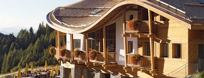 Chalet Gerard is one of ristorante.