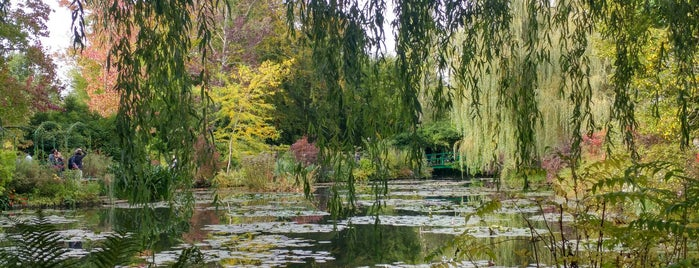 Giverny is one of Around paris.