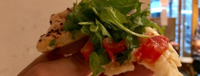 La Pizza del Sortidor is one of Santiago'nun Beğendiği Mekanlar.