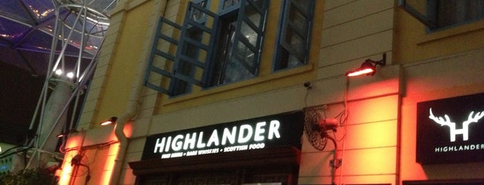 Highlander Bar & Restaurant is one of Locais curtidos por Darwich.