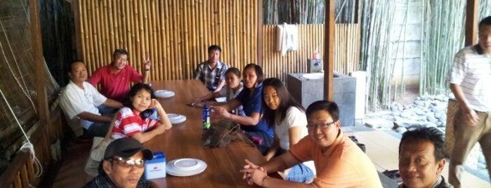 Pondok Kemangi is one of Dinner @ Jakarta.