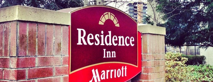 Residence Inn by Marriott Portland Downtown/RiverPlace is one of Lisa'nın Beğendiği Mekanlar.