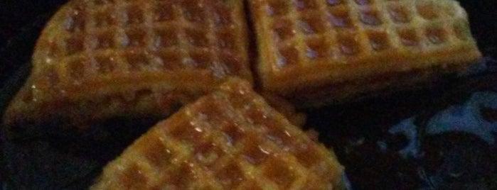 Waffle House is one of Gespeicherte Orte von Audra.