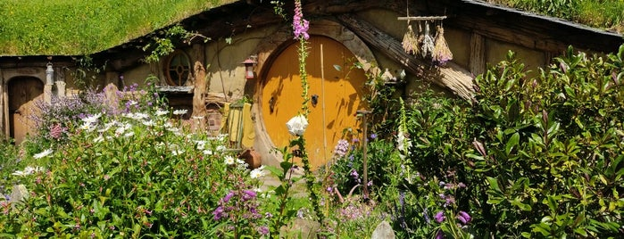 Hobbiton Movie Set & Farm Tours is one of New Zealand (North Island).