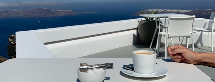 Grace Santorini-Champagne Lounge is one of VSandra : понравившиеся места.