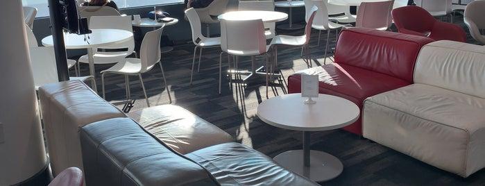 Avianca VIP Lounge is one of Orte, die Ricardo gefallen.
