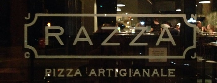 Razza Pizza Artiginale is one of Tempat yang Disukai Amanda.