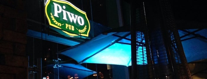 Piwo Pub is one of Locais curtidos por Armando.