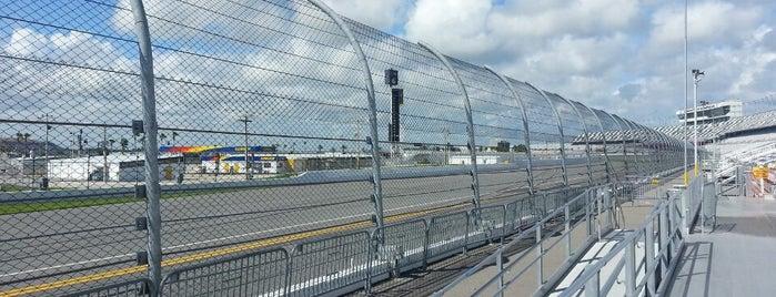 Daytona International Speedway Turn 4 is one of Lieux sauvegardés par Maria.