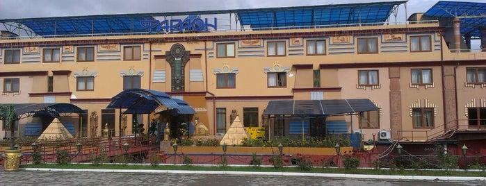 Отель Фараон is one of Tempat yang Disukai Galia.