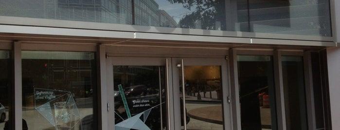 Starbucks is one of Christopher : понравившиеся места.