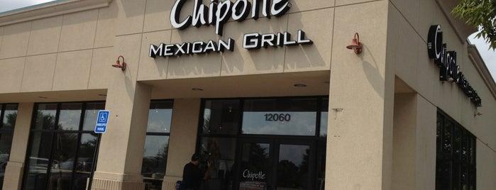 Chipotle Mexican Grill is one of Tempat yang Disukai Amina.