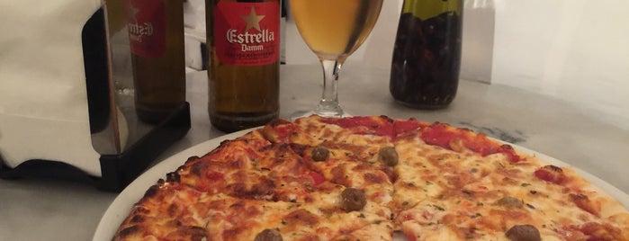 Messié Pizza is one of Locais curtidos por Bram.