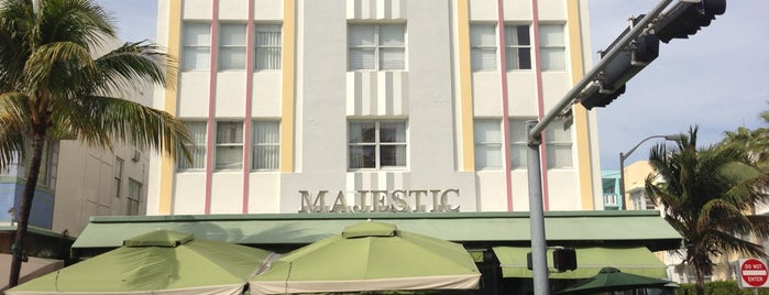 Majestic Hotel South Beach is one of Tempat yang Disukai Friedrich.