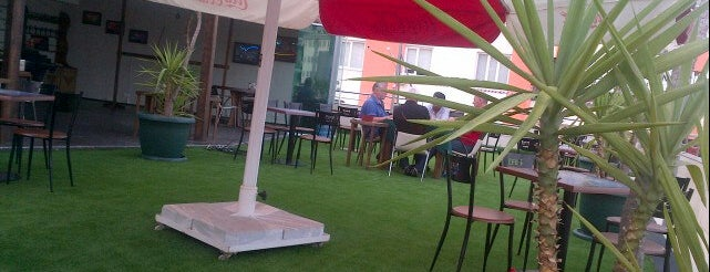 Çathi Cafe is one of สถานที่ที่ Erdem ถูกใจ.