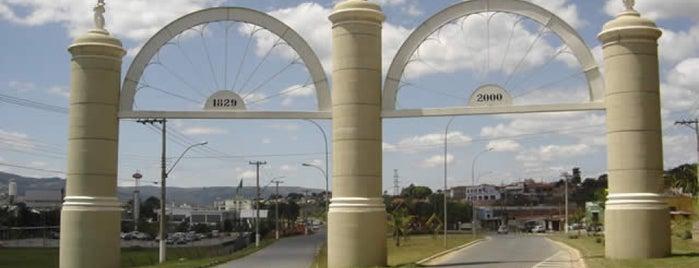 Amparo City is one of Locais curtidos por Wesley.