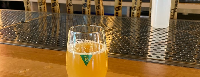Other Half Brewing Co. is one of Lugares favoritos de Cole.