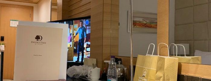 DoubleTree by Hilton Riyadh is one of Lieux qui ont plu à Ahmad.
