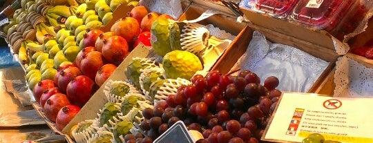 Mercado de San Miguel is one of Madrid: Restaurantes +.
