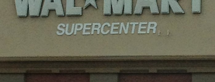 Walmart Supercenter is one of Gespeicherte Orte von Bob.