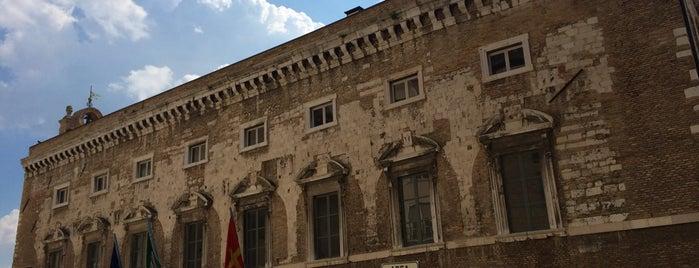 Palazzo degli Anziani is one of Tempat yang Disimpan Social Media Team.