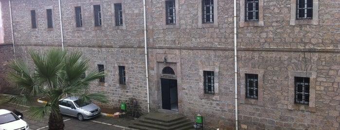 Hüseyin Kazaz Kültür Merkezi is one of Ebru'nun Beğendiği Mekanlar.