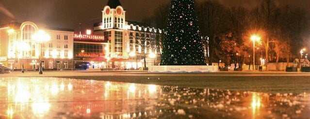 Площадь Победы is one of Лето 2015.