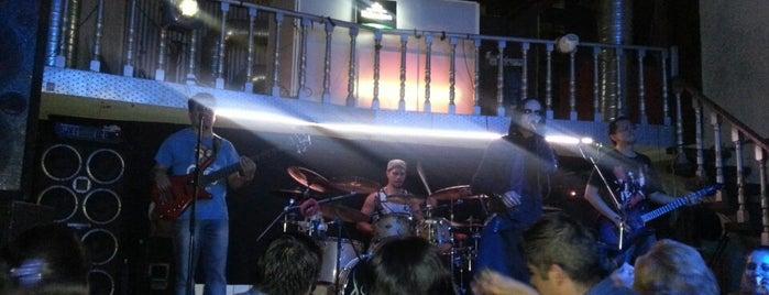 Antros y bares predilectos de Hache