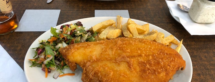 Golden Chippy is one of London : Fish&Chips.