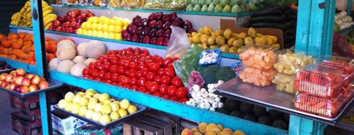 Mercado Clavería is one of Azcapunk.