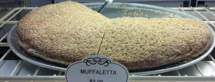 Vito's Bakery is one of Posti salvati di Felicia.