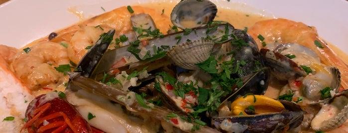 The Seafood Bar is one of Locais curtidos por Григорий.
