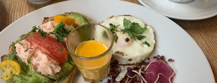 Jeannine et Suzanne Café Gourmet is one of lyon cafe & breakfast.