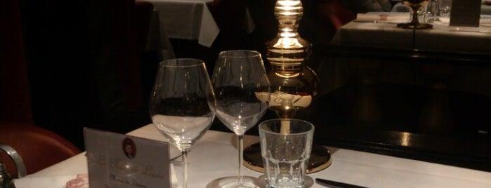 La Table de Louise is one of Lieux sauvegardés par Martin.