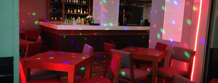 Amsterbar is one of Condesa Casual.