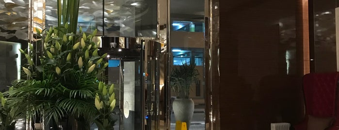 Fraser Suites Diplomatic Area is one of Locais curtidos por Lujain.