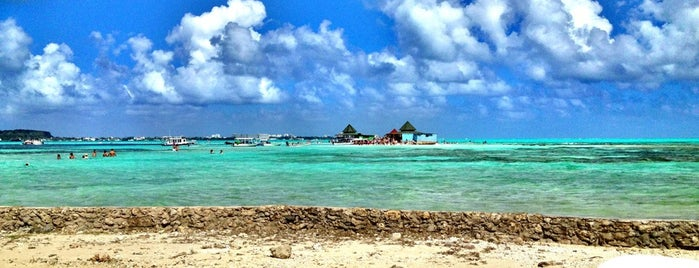 Haynes Cay & Acuario is one of San Andres.