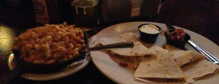 Legends Bar & Grill is one of Posti che sono piaciuti a Matt.