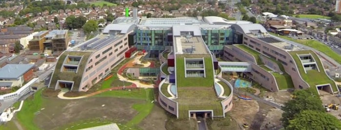Alder Hey Children's Hospital is one of Posti che sono piaciuti a zanna.
