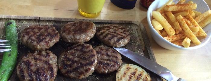 Mahallenin Kasabı Sarissa is one of Lieux sauvegardés par Cesur.