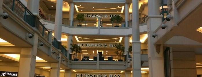 Hudson's Bay is one of สถานที่ที่ Buck ถูกใจ.