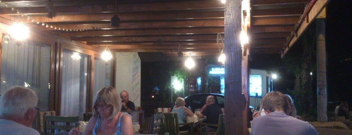 Lazy Frog Cafe- Bar-Restaurant is one of Kaş-Kalkan-Meis.
