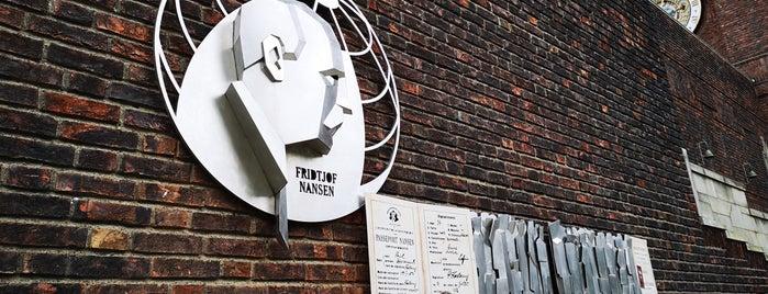 Fridtjof Nansens plass is one of oslo.