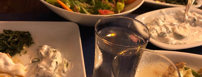 Mavi Balık&Meze Restaurant is one of Kamilさんのお気に入りスポット.