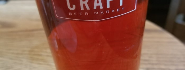 Craft Beer Market is one of Lugares favoritos de John.
